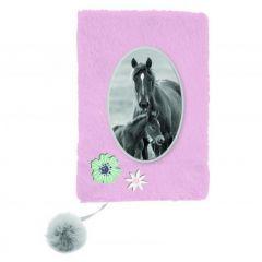 Plyšový památník Kůň